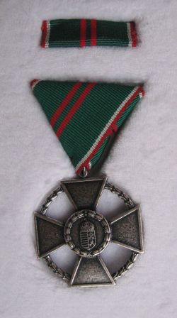 Magyar Köztársasági Ezüst Érdemkereszt